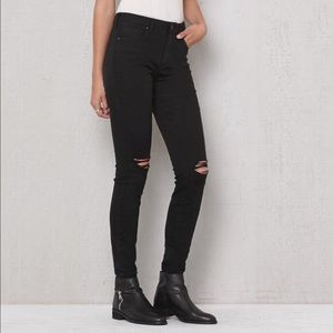 Bullhead High Rise Skinniest Black Jeans